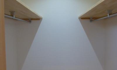 西小山の家 (使う人の身長に合わせたウォークインクローゼット)