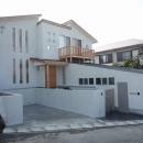 銚子の家の写真 外観(手前が客用駐車スペース、右がガレージ)