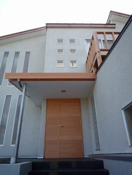 銚子の家 (ピーラーのオリジナル玄関ドア)