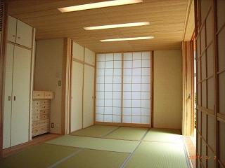 坪井町の家の部屋 9帖の和室