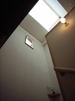 坪井町の家の部屋 階段トップライト