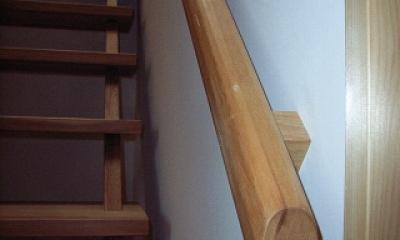 坪井町の家 (つい握りたくなる大工手造りの階段手摺)