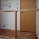坪井町の家の写真 シンプルな階段吹抜手摺