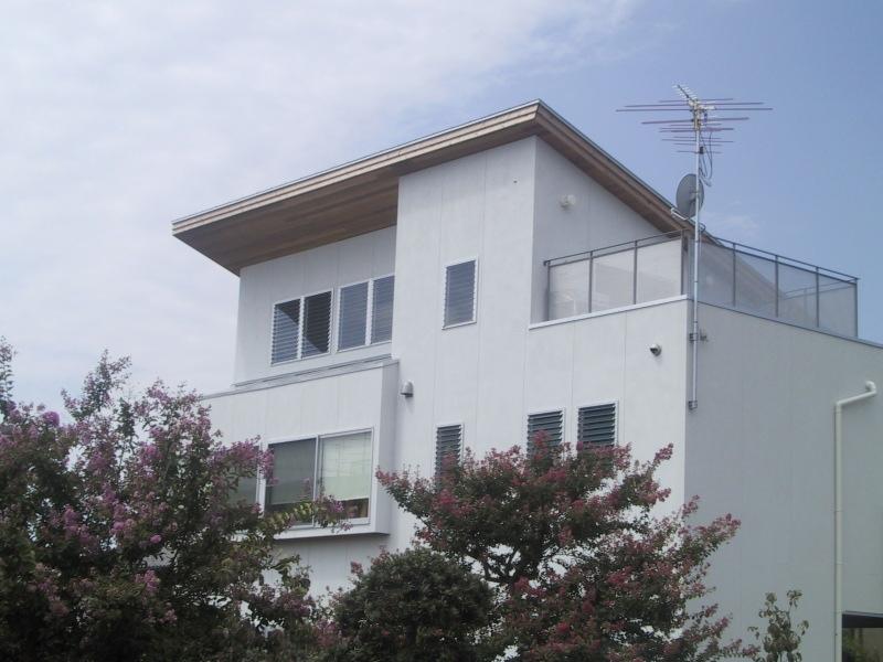 船橋S邸の部屋 東側2階とロフトを望む