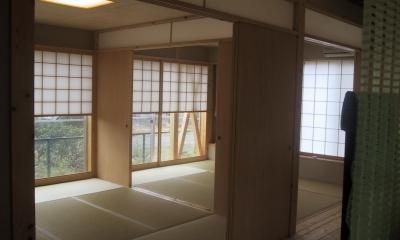 船橋S邸 (6帖二間の和室は板襖で仕切られる)