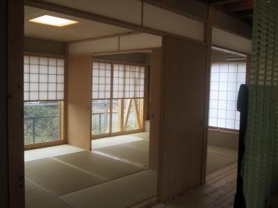 6帖二間の和室は板襖で仕切られる (船橋S邸)