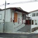 西・南側外観(外壁は火山灰土の塗り壁)