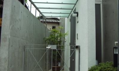 北区神谷の家 (オリジナルの玄関庇と門扉)