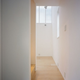 東大和の家~3層の家 (玄関)