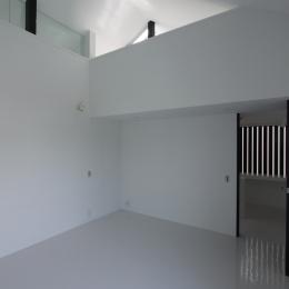 オウチ10・湧水を楽しむ家 (ミニマルな寝室)