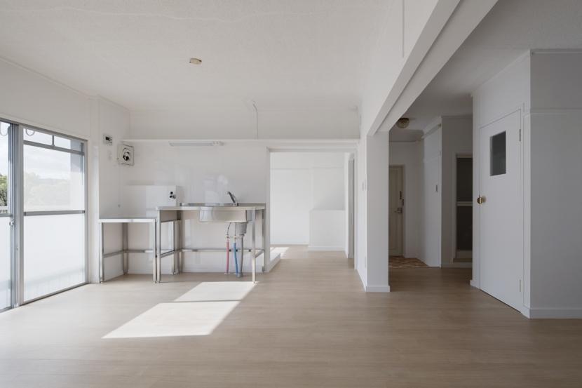 建築家:吉永建築デザインスタジオ「新金岡団地の白いワンルーム」