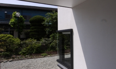 オウチ10・湧水を楽しむ家 (アプローチ)