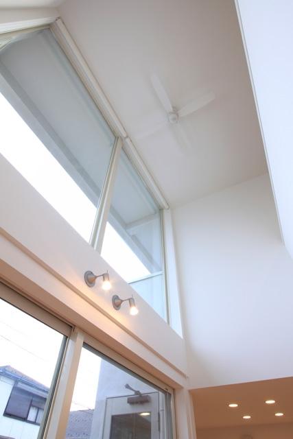 White Prismの部屋 天井