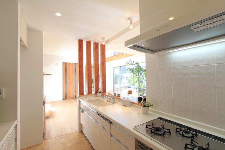月見台のある家の部屋 キッチン2