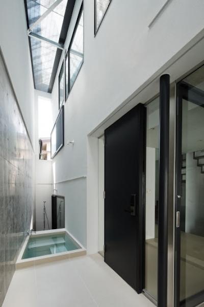 外部浴槽 (AQUA)