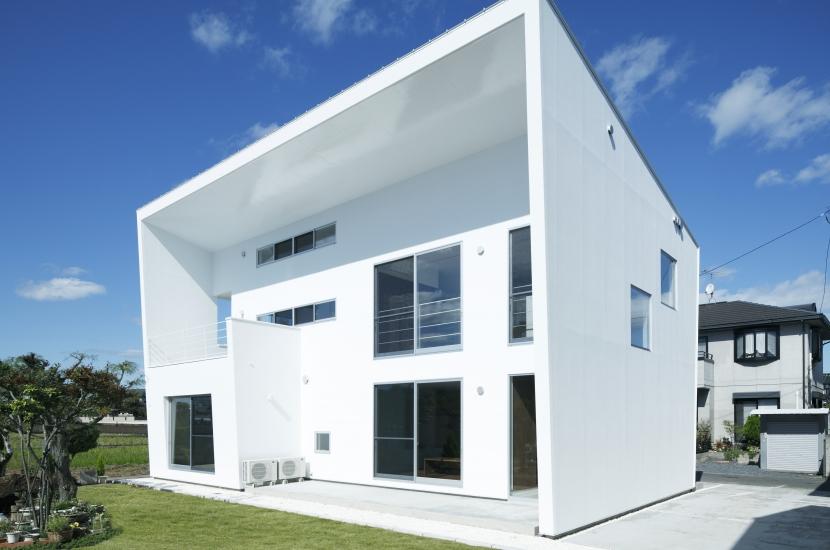 白い原石の家の部屋 白い原石の家 外観
