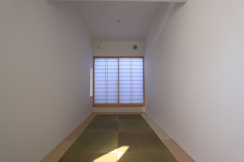 オウチ06・斜め窓の家 (和室)