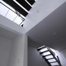 斜め窓の家 OUCHI-06の写真 子供室から階段の見上げ