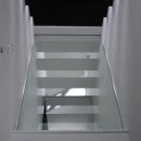 斜め窓の家 OUCHI-06の写真 寝室見上げ