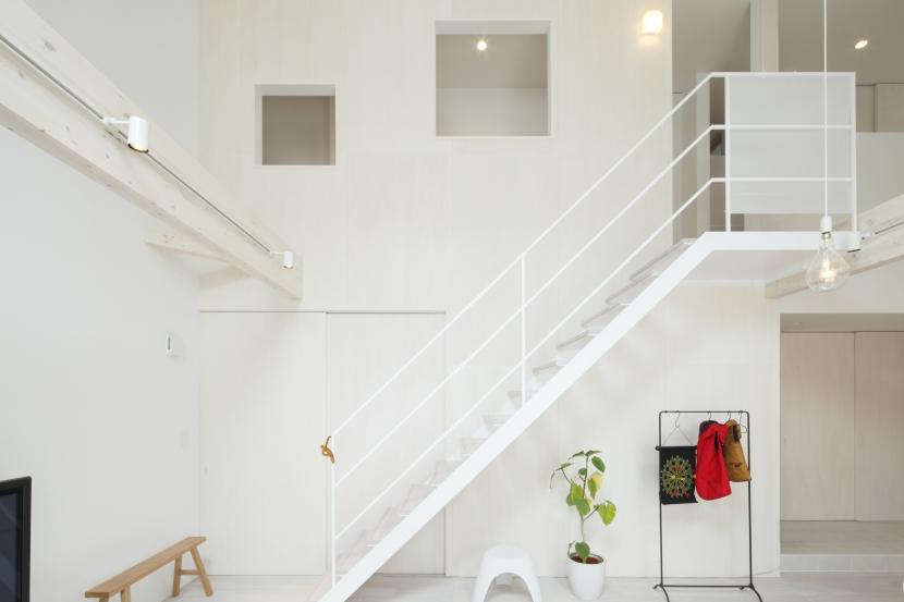 にしはらの家の部屋 にしはらの家 階段