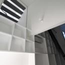 斜め窓の家 OUCHI-06の写真 寝室からの見上げ