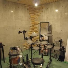 地下の音楽スタジオ