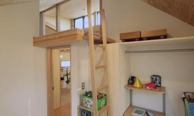 子ども部屋2|ロフトでつながる大屋根の家