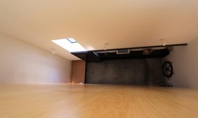 オウチ12・木箱の入った家 (ロフトからの見下ろし)