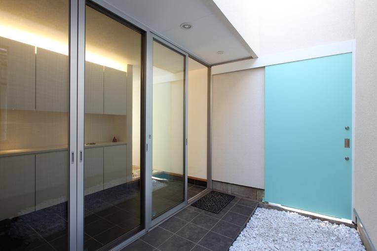 向日葵の家の写真 玄関1