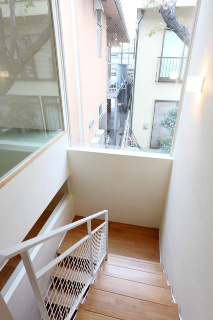 欠けない家の写真 階段