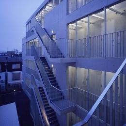 二葉アパートメント (外部階段)