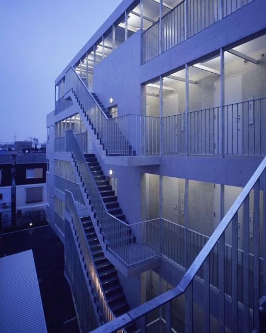 二葉アパートメントの写真 外部階段