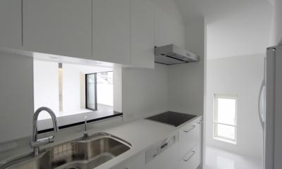 愛犬と暮らす家 地下室のあるOUCHI-13 (白で統一したキッチン)