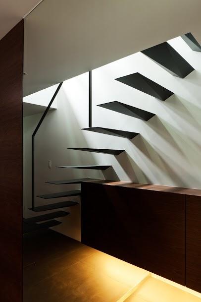 SIGNの部屋 階段