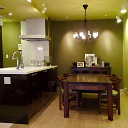リノベーション・リフォーム会社 ROKUSAの住宅事例「グリーン&洋書LIKEな空間」