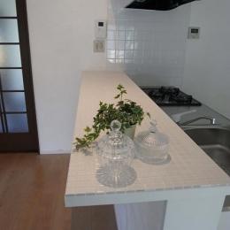 キッチン(カウンター) (珪藻土&チェカーガラス)