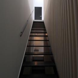 オウチ13・愛犬と暮らす家 (2階リビングへの階段)