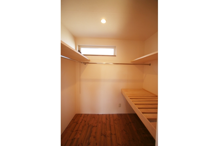 西堀の家-和モダンスタイル-の部屋 ウォークインクローゼット