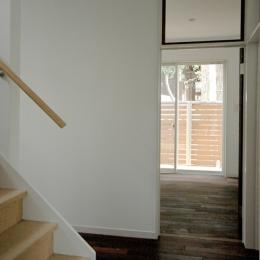廊下と階段、個室の入口