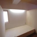 家具で仕切りをつくったマンションリノベの写真 中央の子どもスペース2
