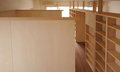 家具で仕切りをつくったマンションリノベ (個々のブースの仕切り)
