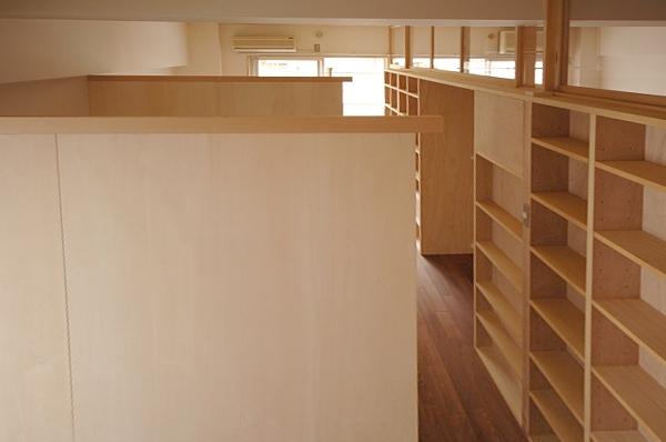 家具で仕切りをつくったマンションリノベの部屋 個々のブースの仕切り
