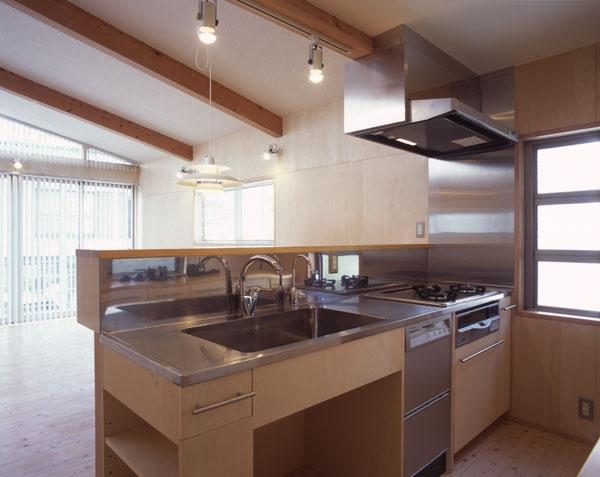 ヒノキの床の心地よい 2階リビングの部屋 オリジナルのキッチン