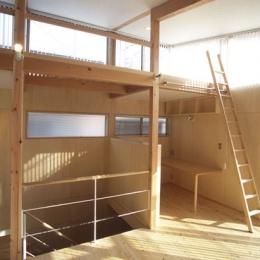 ヒノキの床の心地よい 2階リビング (リビングから見たPCコーナー)
