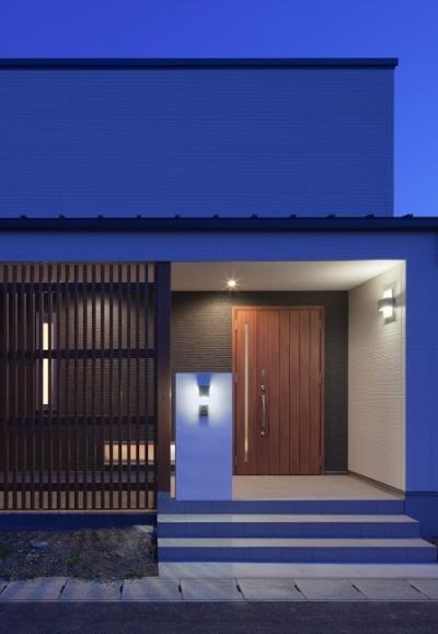折敷瀬の家 (外観(夕景))