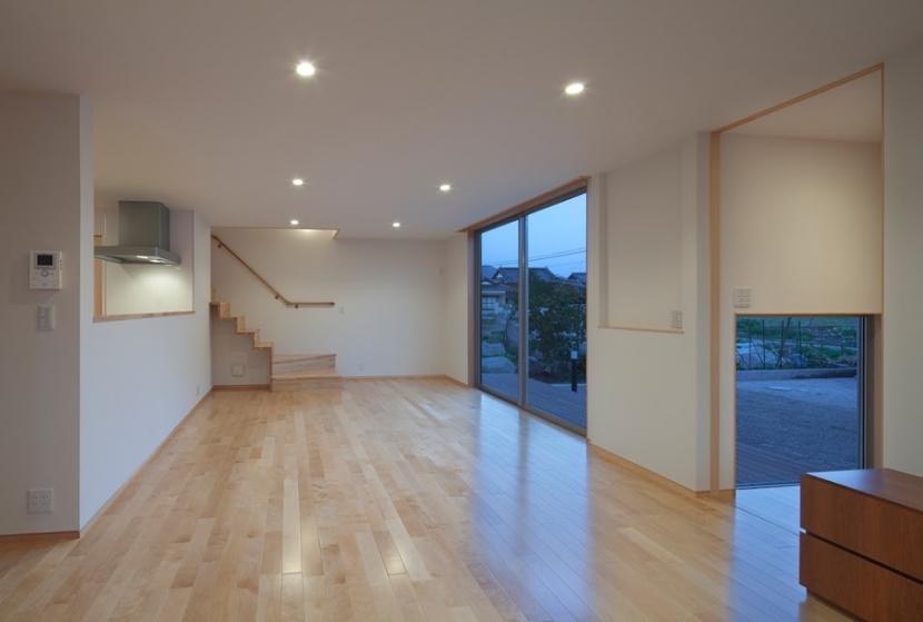 清瀬の家の写真 リビング・ダイニング(夕景)