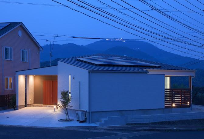 赤崎の家 (外観(夕景))
