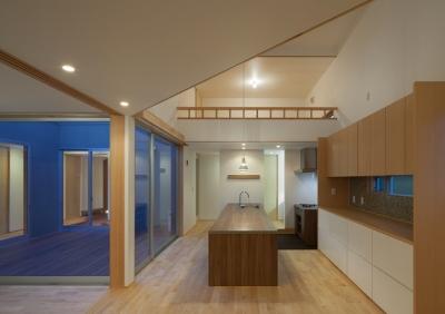 轟木町の家 (キッチン(夕景))
