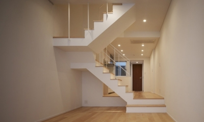 代々木ハウス (リビング・階段 1)