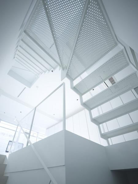 代々木ハウスの部屋 階段 1